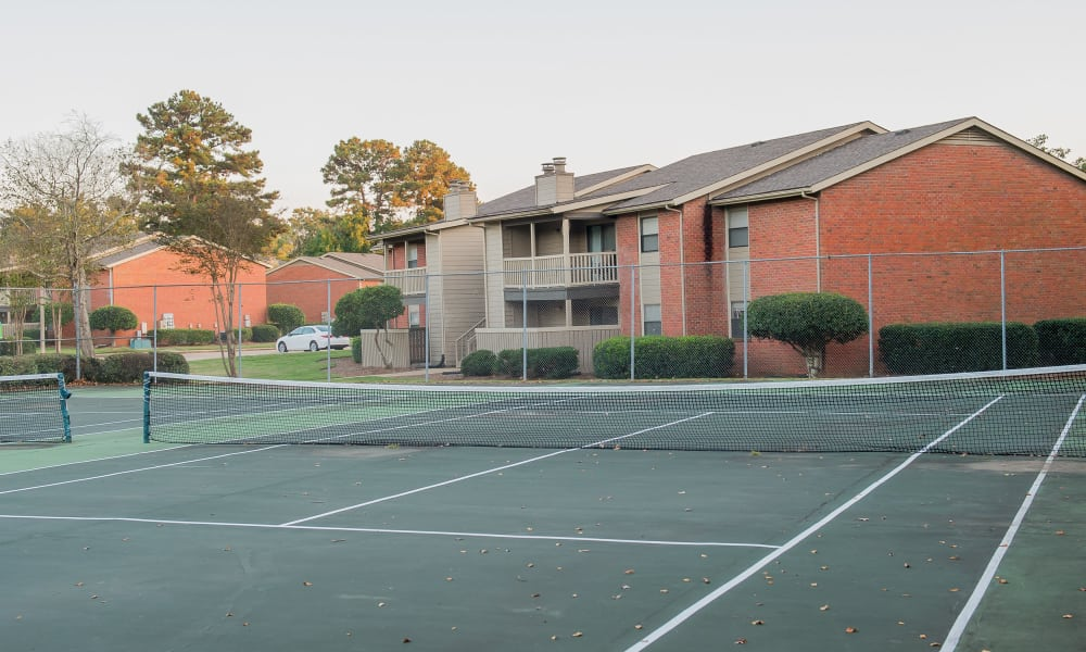 The tennis court at The Mark Apartments in Ridgeland, MS