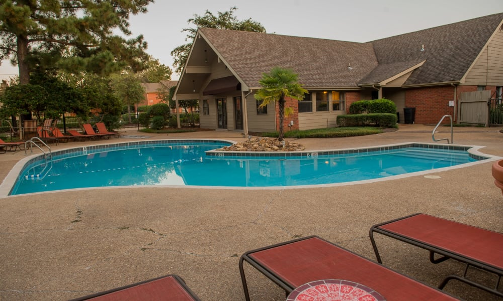Poolside seating at The Mark Apartments in Ridgeland, Mississippi
