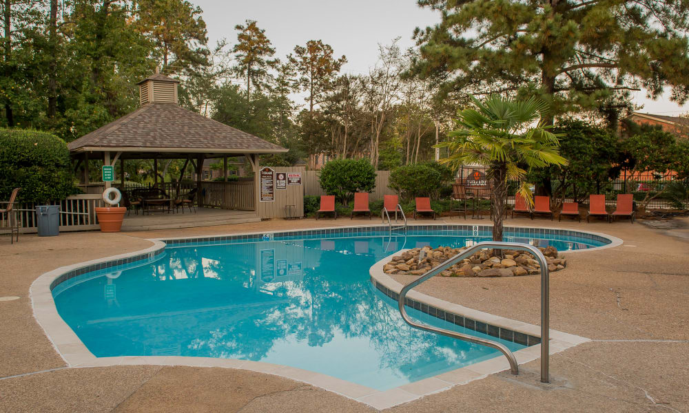 The community pool at The Mark Apartments in Ridgeland, MS