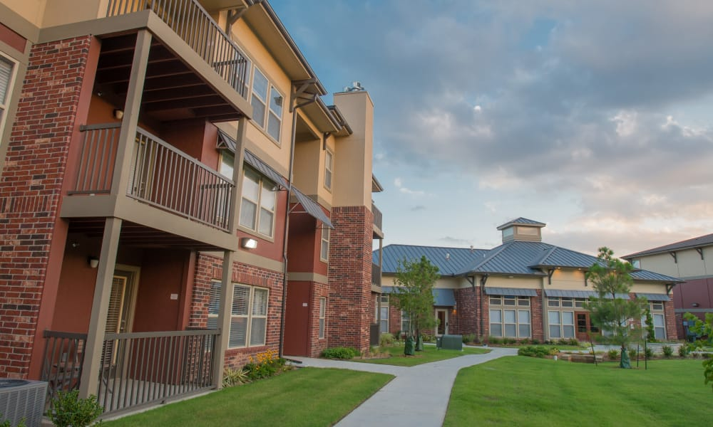 Walkways between apartments at The Reserve at Elm in Jenks, Oklahoma