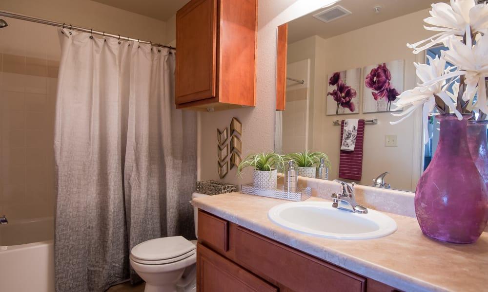 An apartment kitchen at Villas at Aspen Park in Broken Arrow, Oklahoma