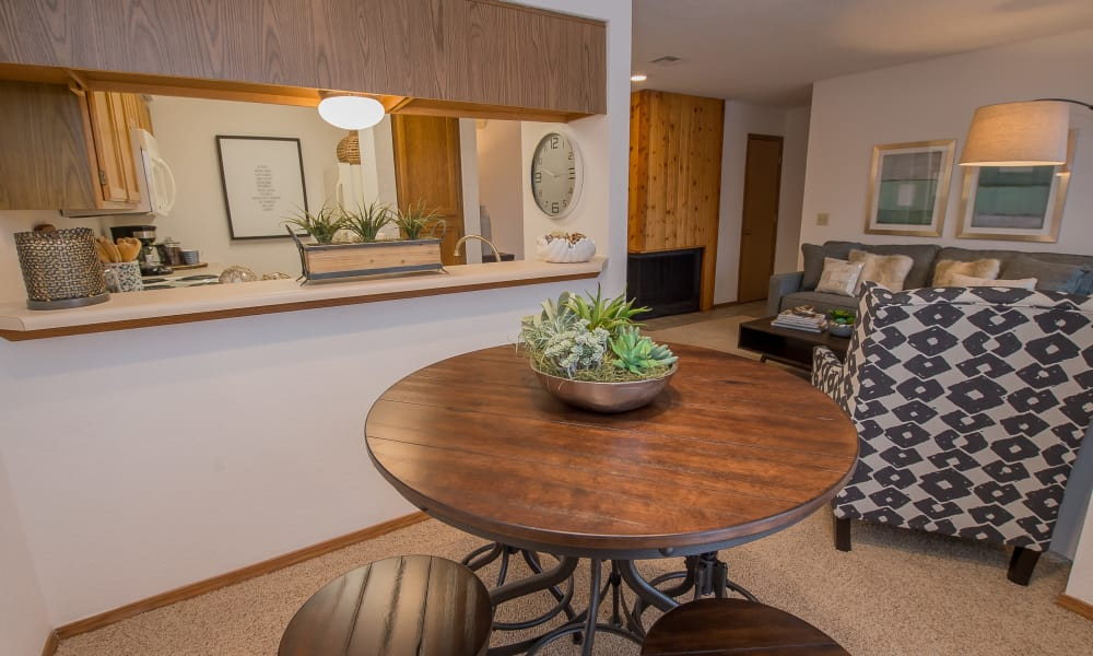 An apartment dining table at The Warrington Apartments in Oklahoma City, OK
