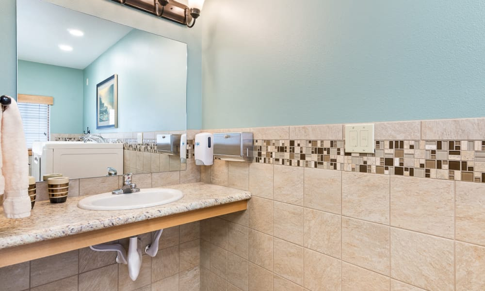 Tiled bathroom at Mill View Memory Care in Bend, Oregon