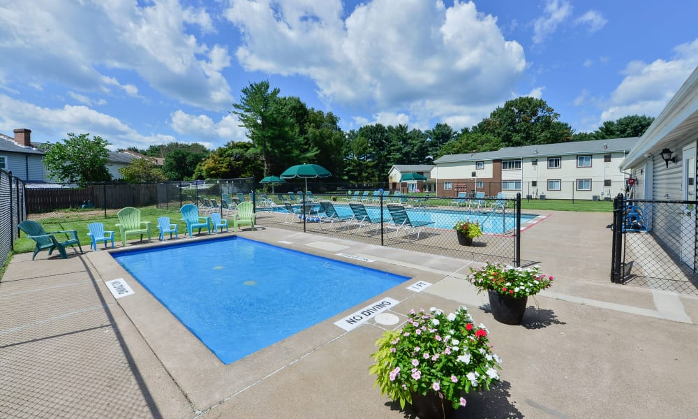 Outdoor pool Oxford Manor Apartments & Townhomes in Mechanicsburg, PA