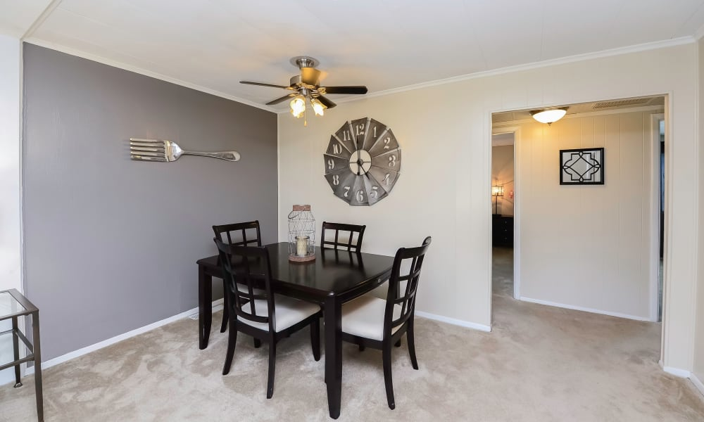 Open dining space at Oxford Manor Apartments & Townhomes in Mechanicsburg, PA