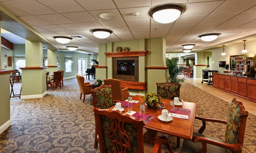 Intimate dining area at Sea View Senior Living Community in Brookings, Oregon