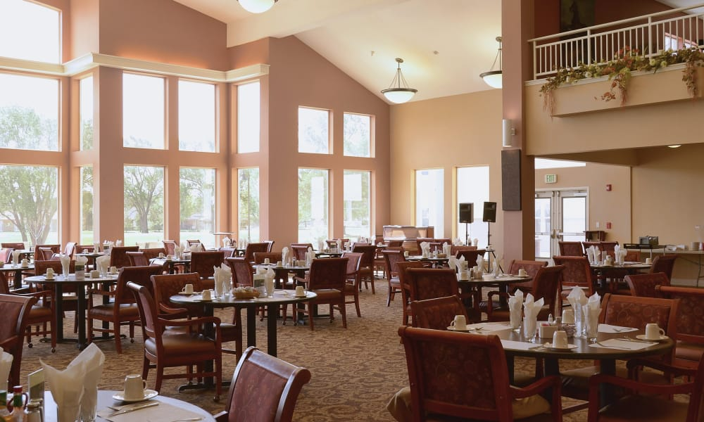 Full view windows in the dining area at Wheatfields Senior Living Community in Clovis, New Mexico