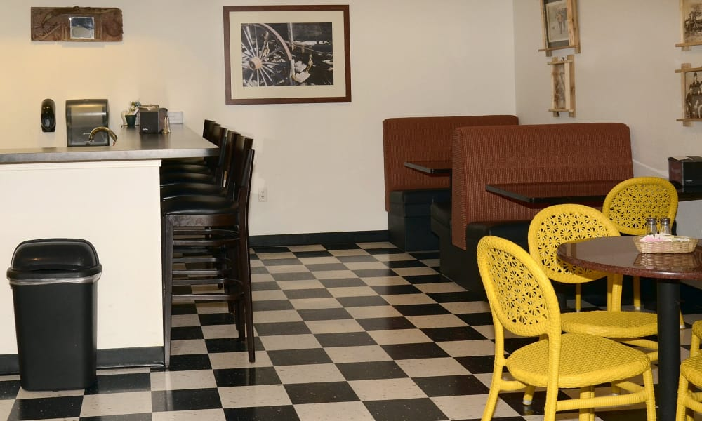 Cafe at Wheatfields Senior Living Community in Clovis, New Mexico