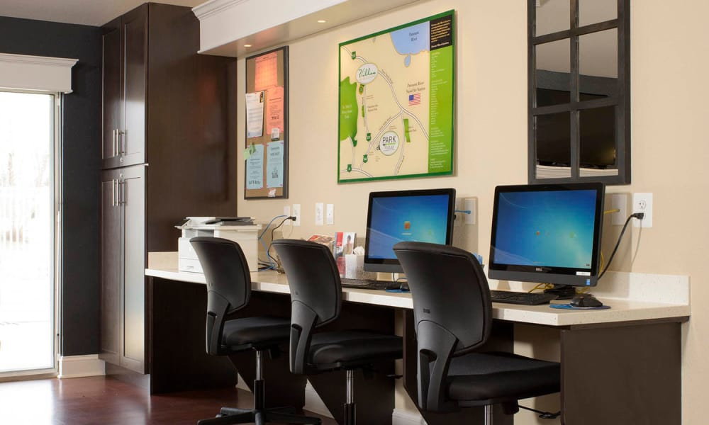 Computers available for residents at Villas at Greenview West in Great Mills, Maryland