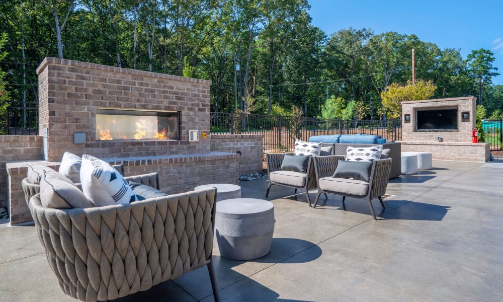 Alta Blu Outdoor Fireplace and Outdoor Television