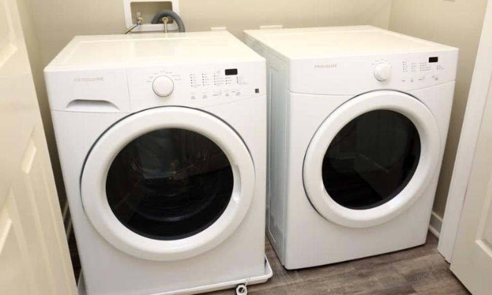 White washer and dryer at Johnston Gardens in Johnston, Iowa
