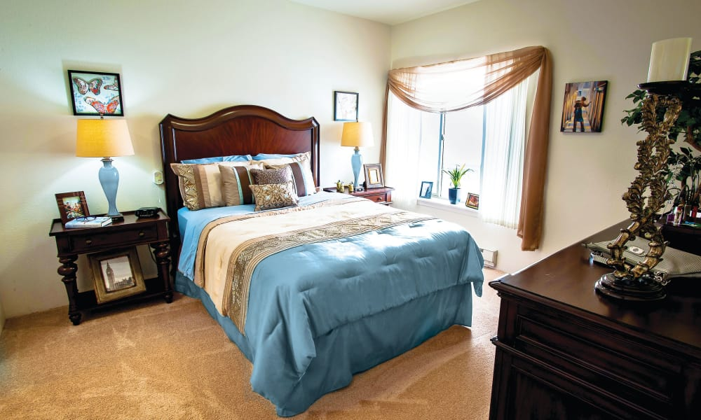 A well decorated bedroom at Salmon Creek in Boise, Idaho