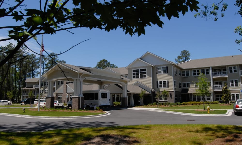 Building exterior of Summerville Estates Gracious Retirement Living in Summerville, South Carolina