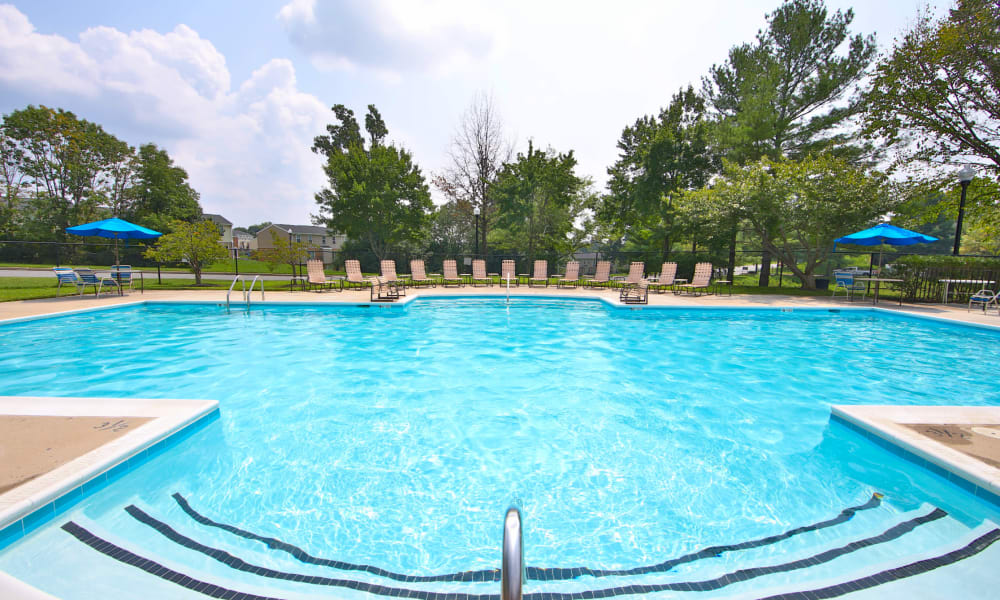 The Townhomes at Diamond Ridge offers a Swimming Pool in Baltimore, Maryland