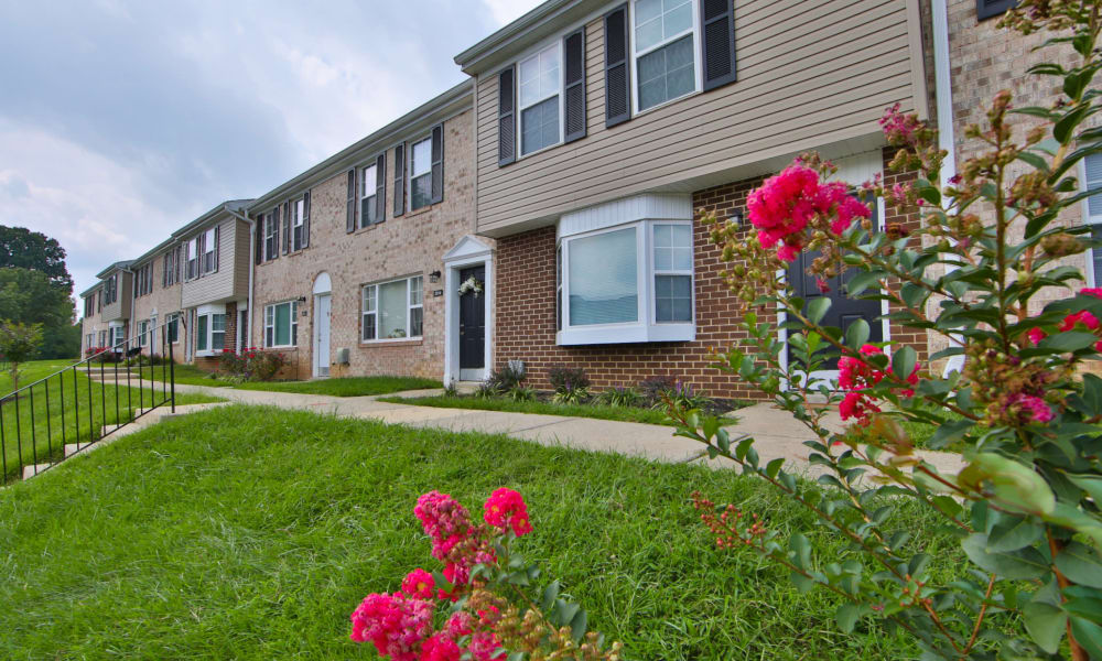 The Townhomes at Diamond Ridge | Apartments in Baltimore, Maryland