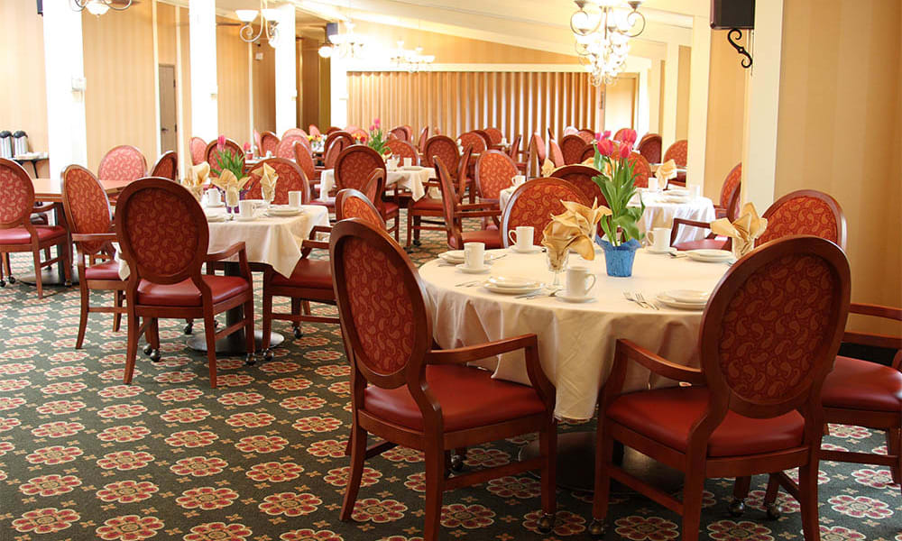 Dining room at Cardinal Village in Sewell, New Jersey