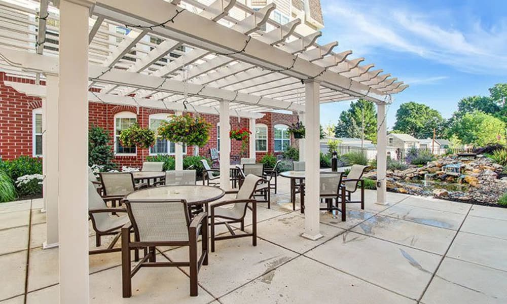 Outdoor courtyard at Keystone Villa at Ephrata in Ephrata, Pennsylvania