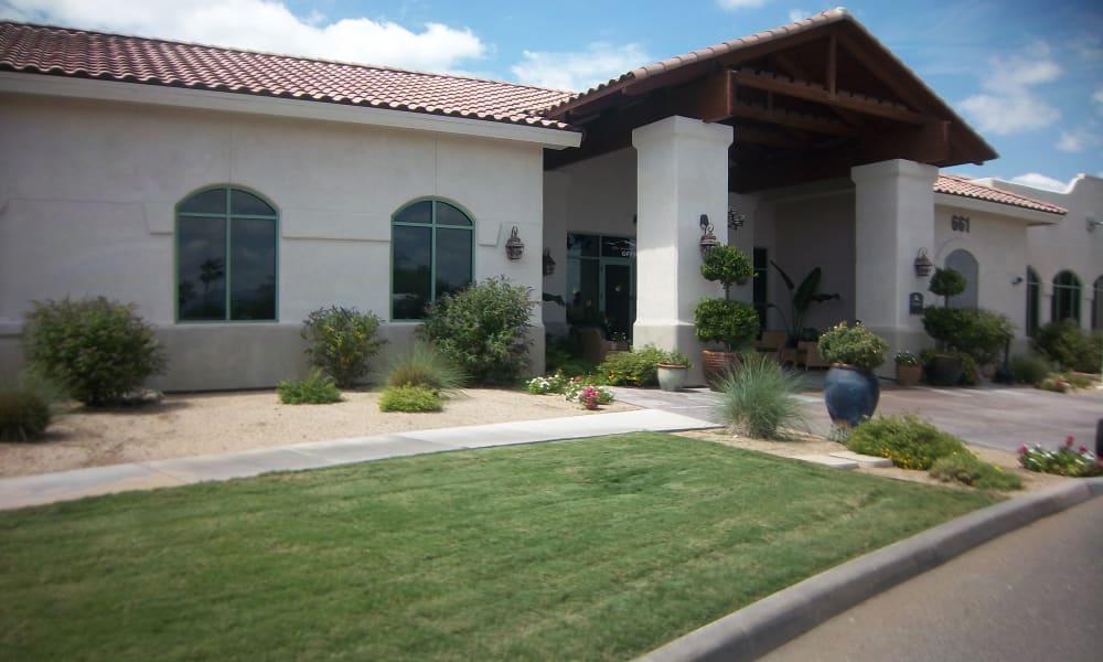 The building exterior and main entrance at The Peaks at Santa Rita in Green Valley, Arizona