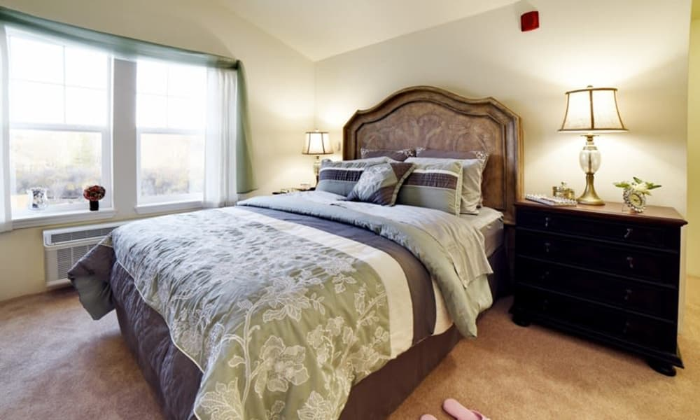A cozy resident bedroom at Stoneybrook Assisted Living in Corvallis, Oregon