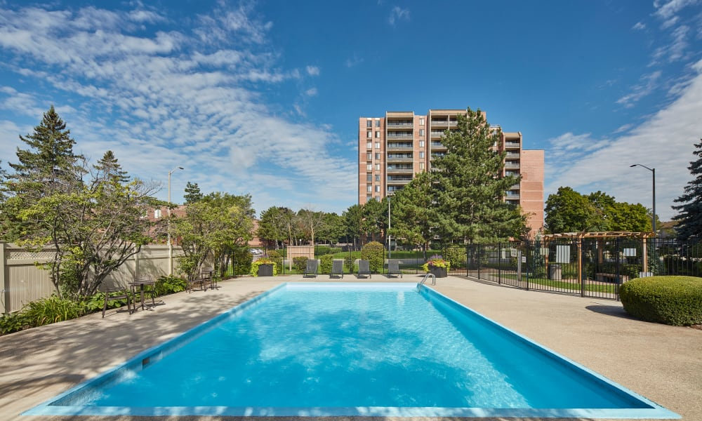 Our apartments in Mississauga, Ontario showcase a luxury swimming pool