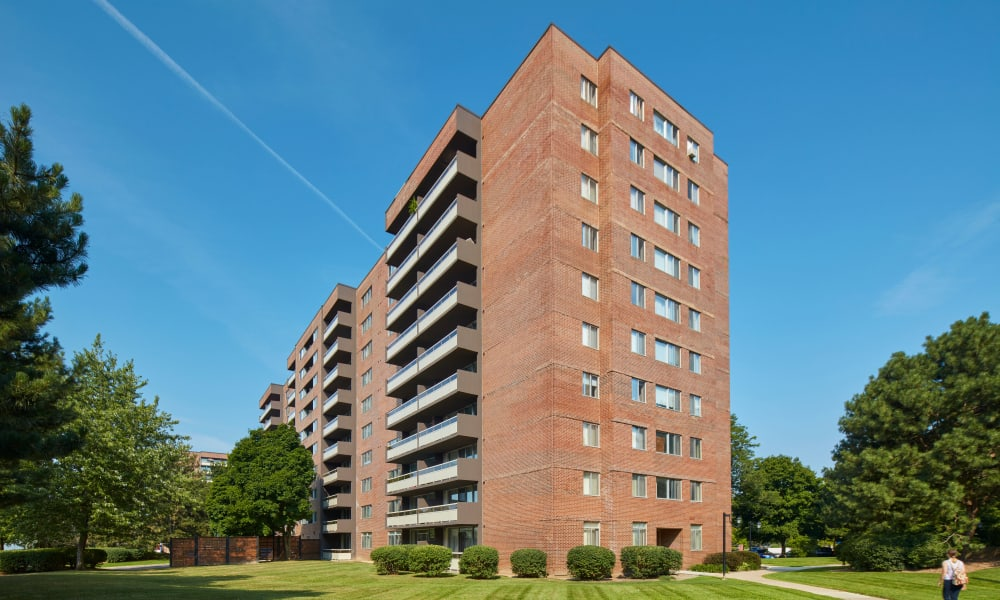 Aerial view of Richmond Hill Apartments in Richmond Hill, Ontario