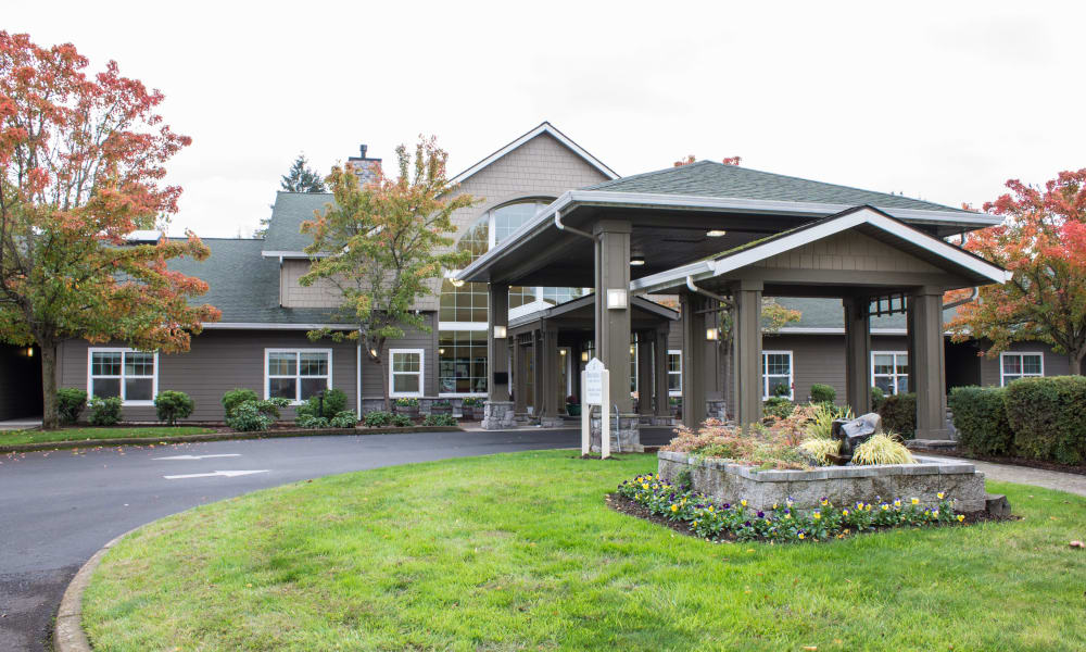 Front entrance to Evergreen Memory Care in Eugene, Oregon