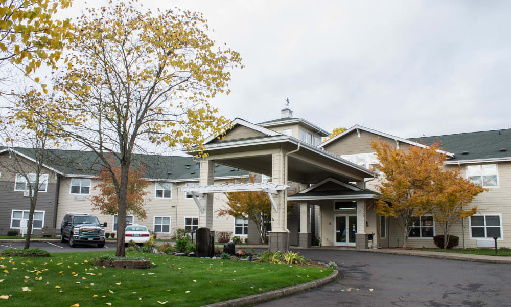Exterior of Evergreen Senior Living in Eugene, Oregon
