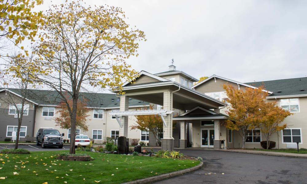 Exterior of Evergreen Senior Living in Eugene, Oregon