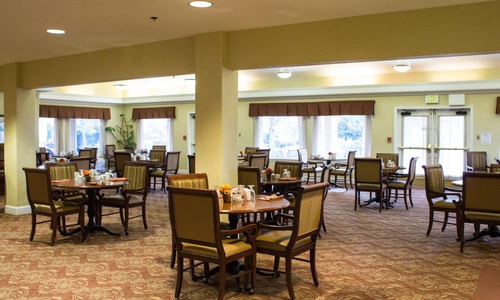 Open dining hall at Woodside Senior Living in Springfield, Oregon