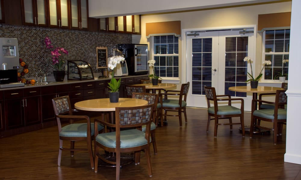 Dining room seating in the bistro at Heritage Green Assisted Living in Mechanicsville, Virginia