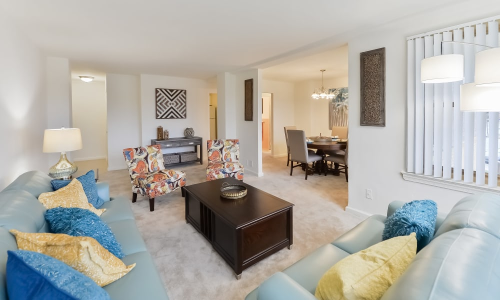 Spacious living room at Parkview at Collingswood Apartment Homes in Collingswood, New Jersey