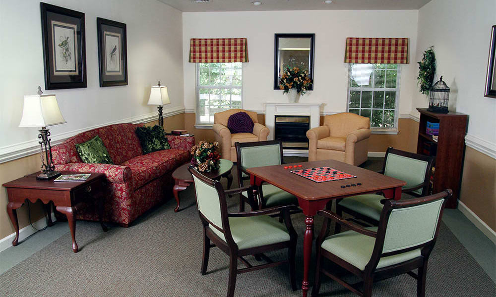The community activity room at Heritage Green Assisted Living and Memory Care in Lynchburg, Virginia