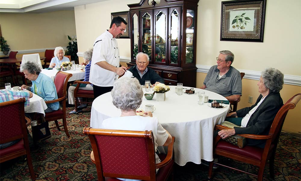 Residents in the dining room at Heritage Green Assisted Living and Memory Care in Lynchburg, Virginia
