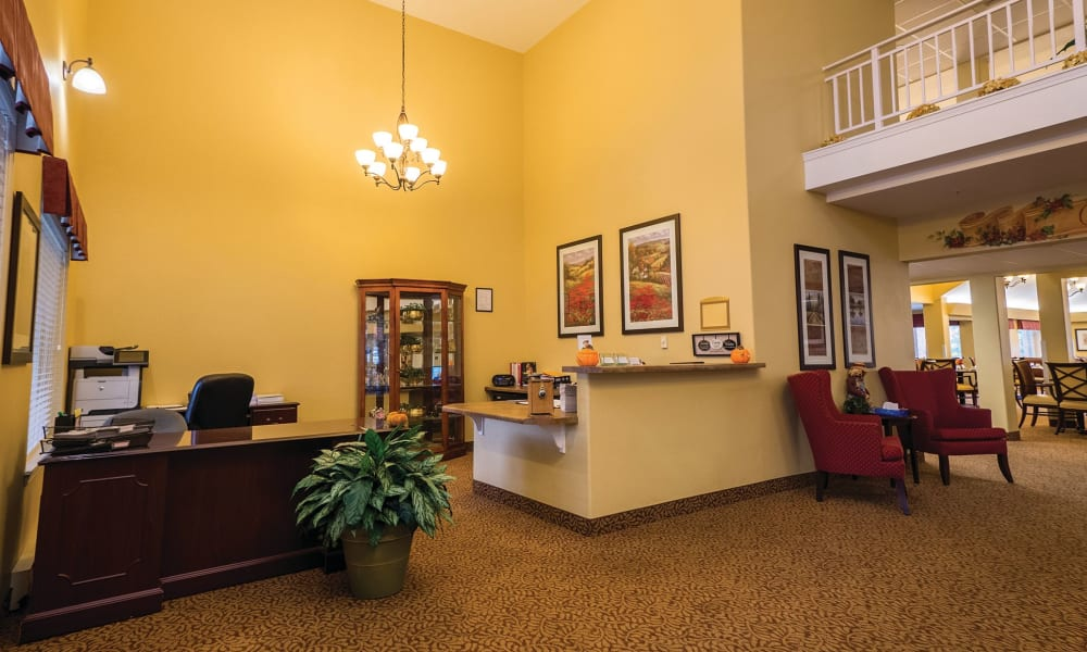 Foyer at Maple Ridge Senior Living in Ashland, Oregon