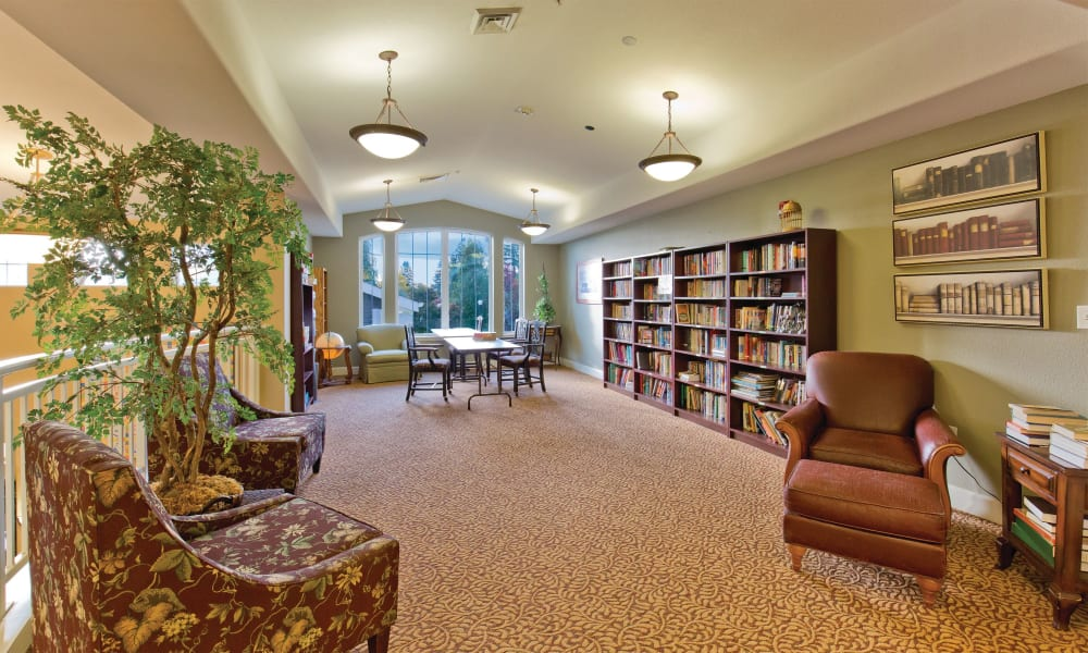 Community library at Meadowlark Senior Living in Lebanon, Oregon
