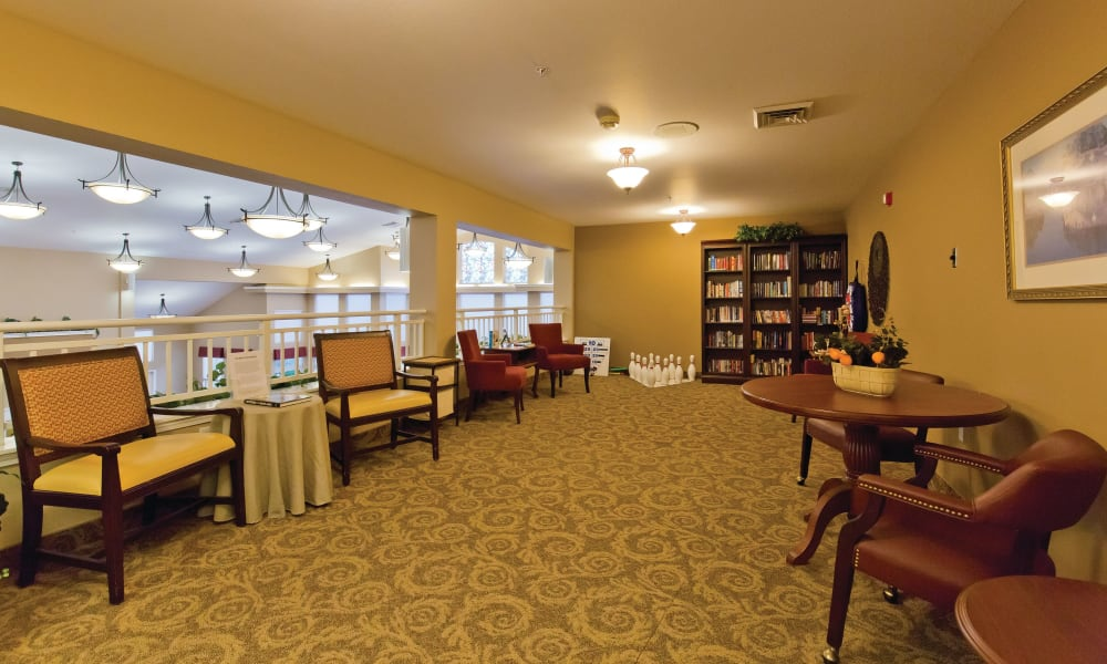 Onsite community library at Heron Pointe Senior Living in Monmouth, Oregon