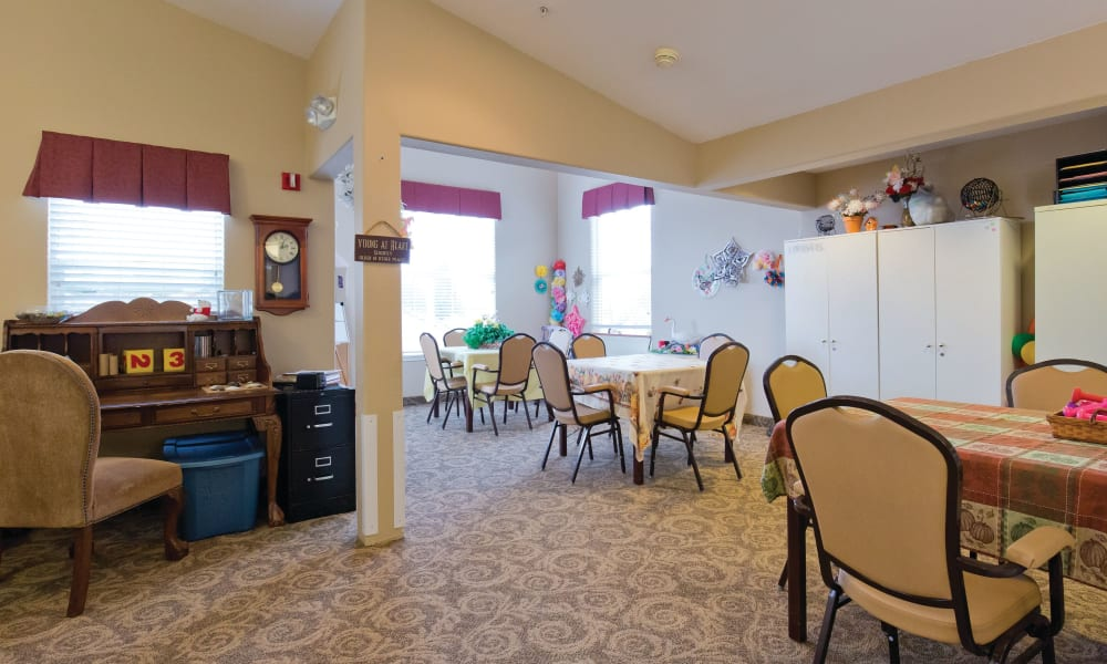 Beautiful dining area at Heron Pointe Senior Living in Monmouth, Oregon