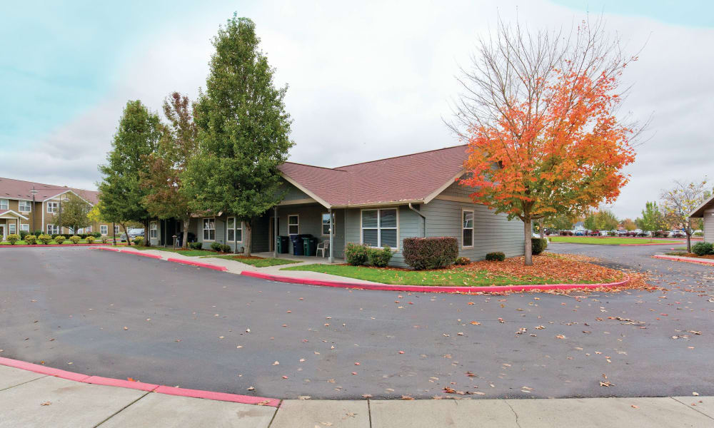 View of a cottage at Heron Pointe Senior Living in Monmouth, Oregon