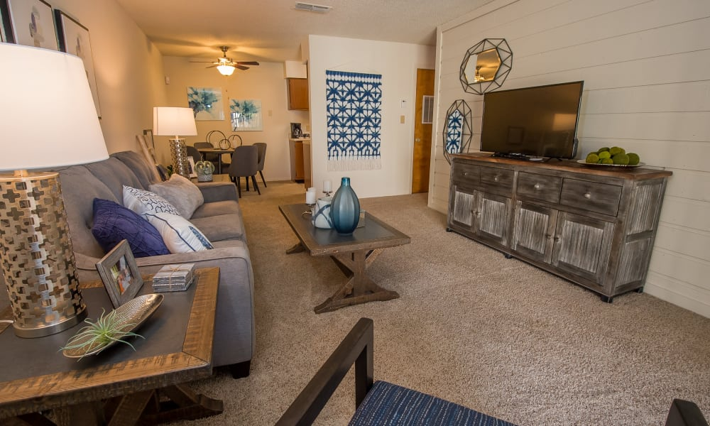 An apartment living room at Sunchase Ridgeland Apartments in Ridgeland, MS