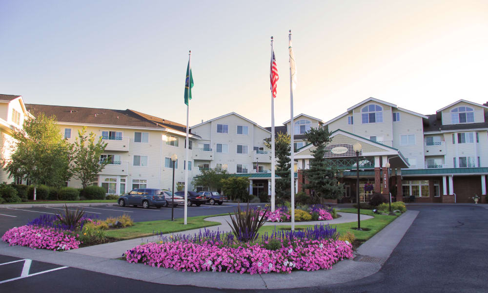 Main entrance at Touchmark at Fairway Village in Vancouver, Washington