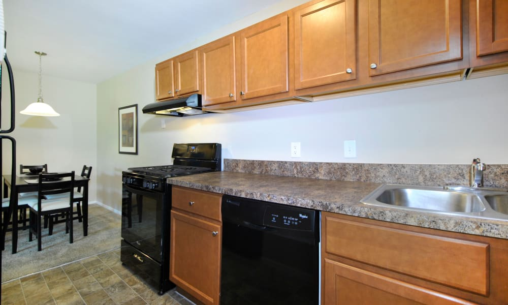 Upgraded Apartments with New Cabinets at Fairway Trails Apartments in Ypsilanti, MI