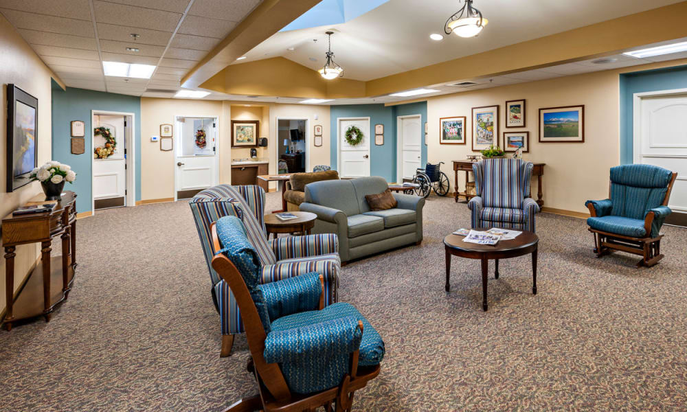 A memory care common room at Touchmark at Mount Bachelor Village in Bend, Oregon.