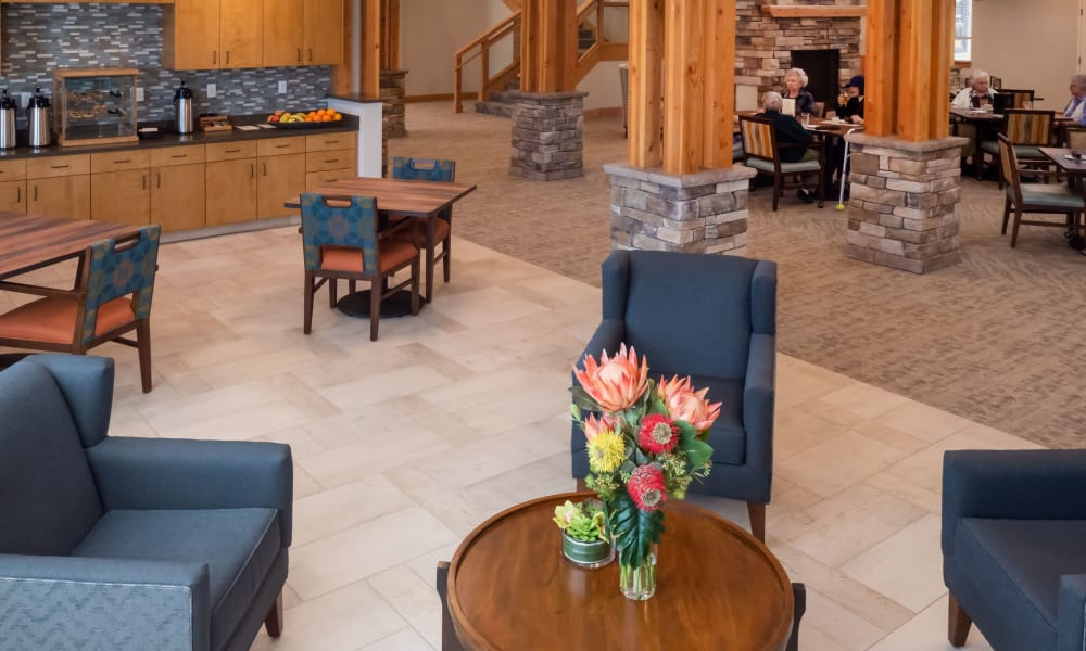 comfortable seating area at Pear Valley Senior Living in Central Point, Oregon