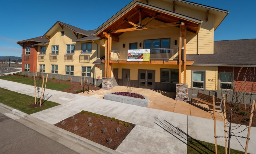 exterior view of Pear Valley Senior Living in Central Point, Oregon