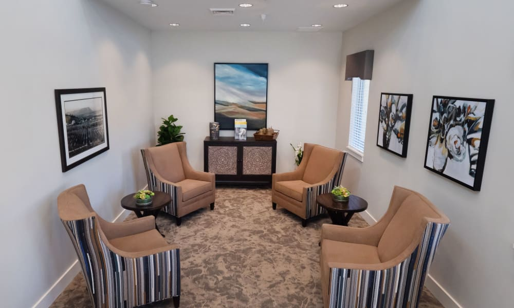 Seating area at Pear Valley Senior Living in Central Point, Oregon