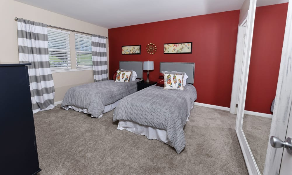 Guest bedroom with space for 2 beds at Mallards Landing Apartment Homes in Nashville, Tennessee