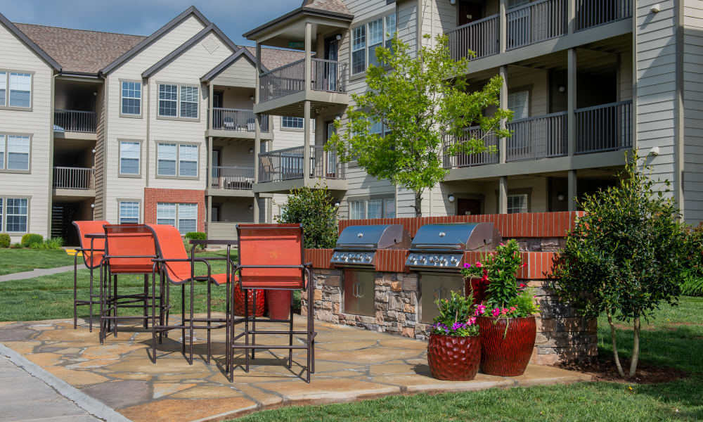 A grilling area and patio at Colonies at Hillside in Amarillo, Texas