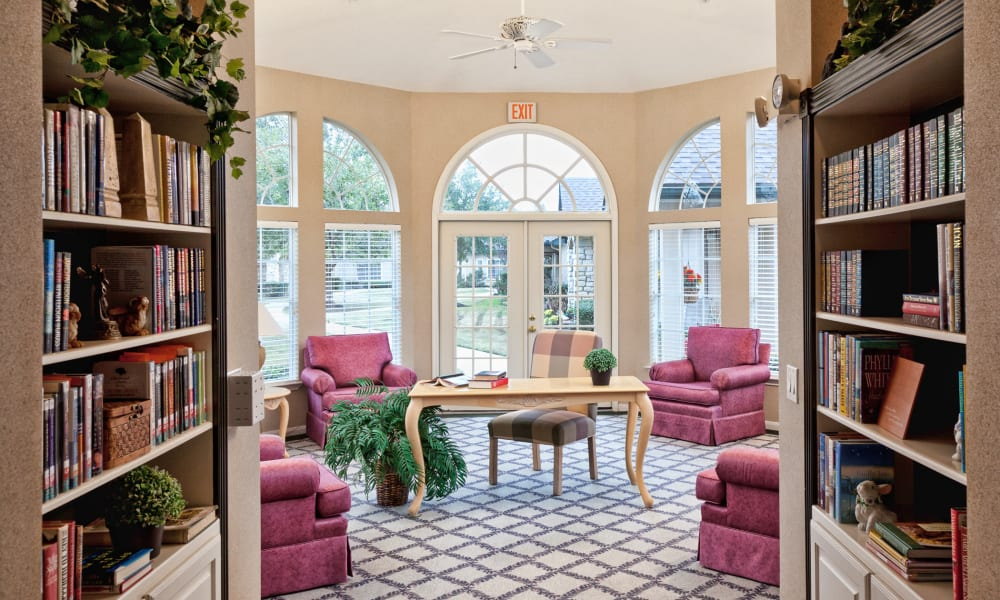 Quiet library at Carriage Inn Conroe in Conroe, Texas