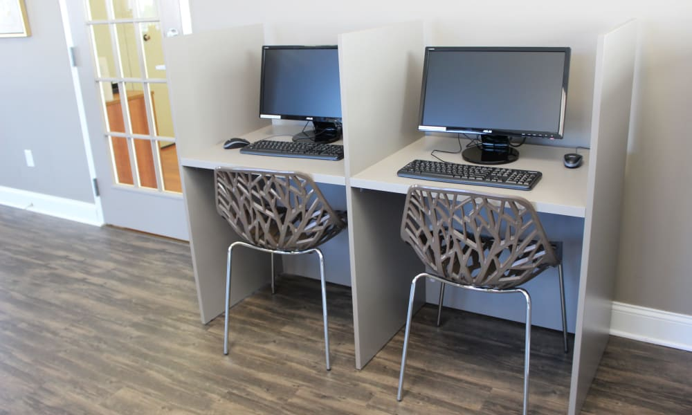 Resident business center at Marchwood Apartment Homes in Exton, Pennsylvania.