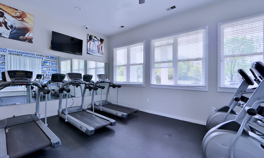 Enjoy Apartments with a Gym at Chase Lea Apartment Homes